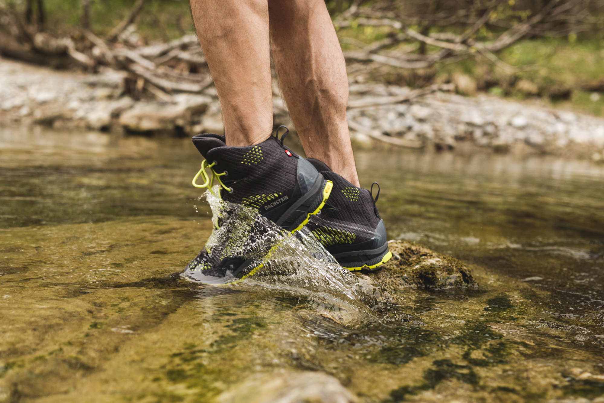 Water proof mountaineering boots
