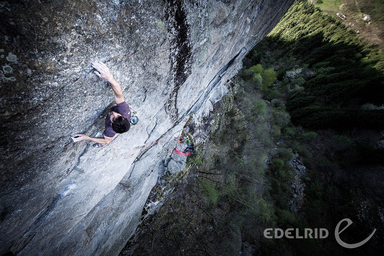 Klettern an der Felswand