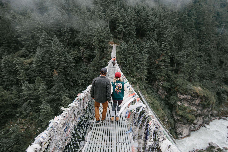 Pärchen auf der Brücke
